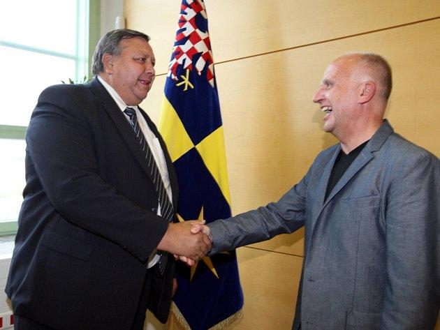 Povolební jednání v úřadu Zlínského kraje ve Zlíně.  Stanislav Mišák a Lubomír Nečas