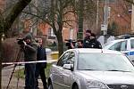Ve Zlíně na Podhoří zasahovali kriminalisté. V jednom z domů v ulici A. Randýskové nalezli tři mrtvá lidská těla.