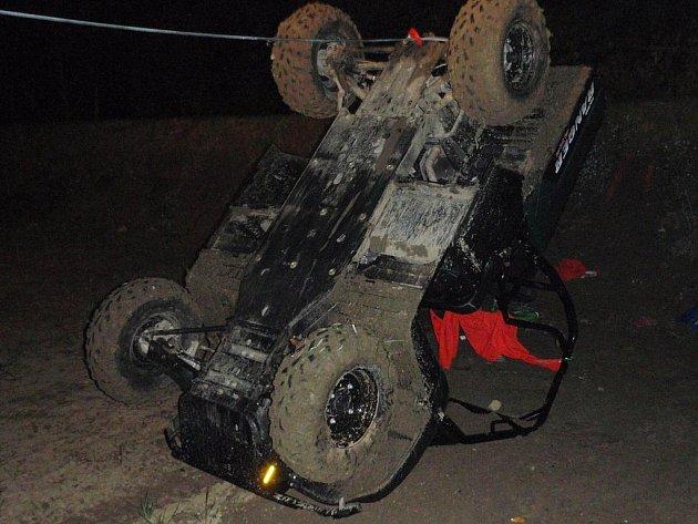 Vážná nehoda čtyřkolky ve Valašských Kloboukách – Mirošově