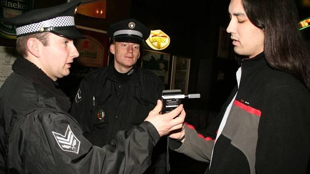 KONTROLA.  Na podnapilé mladistvé se budou zlínští strážníci zaměřovat i v dalších týdnech.