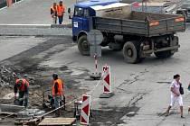 Oprava cesty v ulici Jana Antonína Bati.