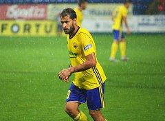 Fotbalisté Zlína (ve žlutých dresech) v 7. kole FORTUNA:LIGY přehráli nováčka z Příbrami 3:0.
