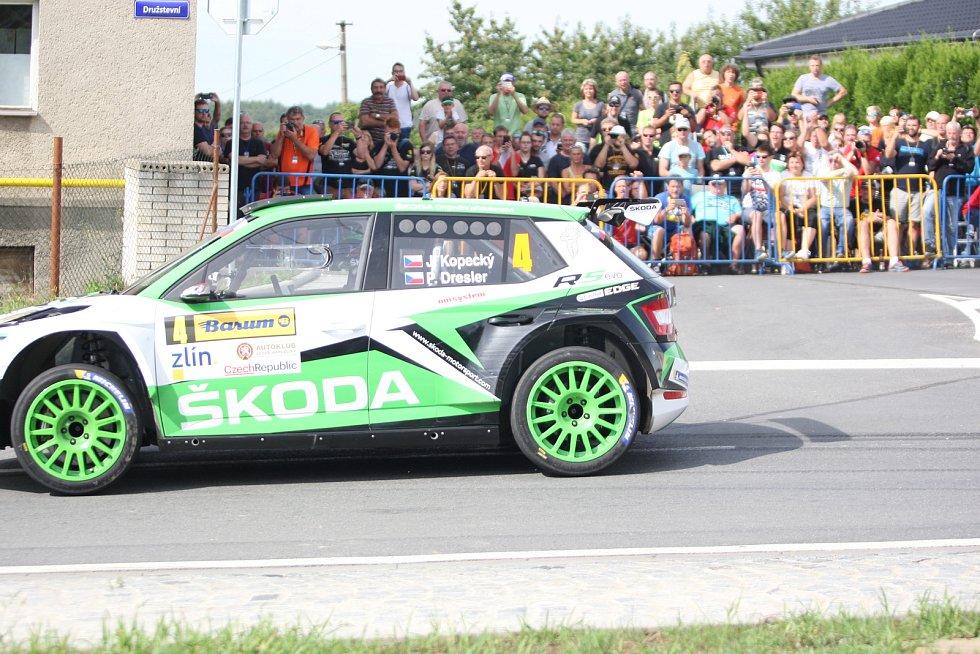 V rámci 49. ročníku Barum Czech Rally Zlín absolvovali v sobotu dopoledne jezdci rychlostní zkoušku Březová. Na snímku Jan Kopecký.,