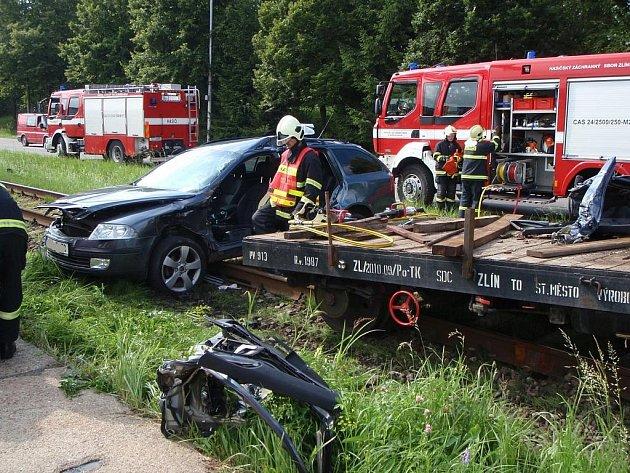 Na přejezdu ve Zlíně došlo k těžké dopravní nehodě.