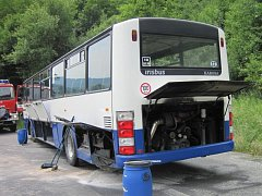 V Jasenné hořel autobus.