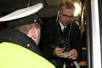 Ranní razie policistů na profesionální řidiče.