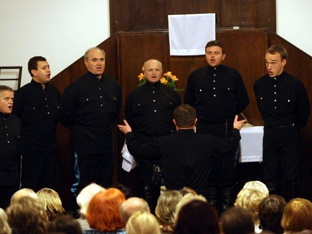 Chór Uralských kozáků koncertuje v evangelickém kostele ve Zlíně.