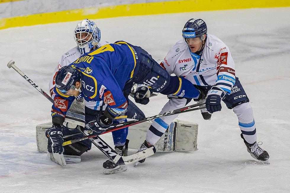 Hokejisté Zlína (v modrém) v úterý večer na Zimním stadionu Luďka Čajky vyzvali Bílé Tygry z Liberce. Na snímku Dufek. Foto: pro Deník/Jiří Zaňát