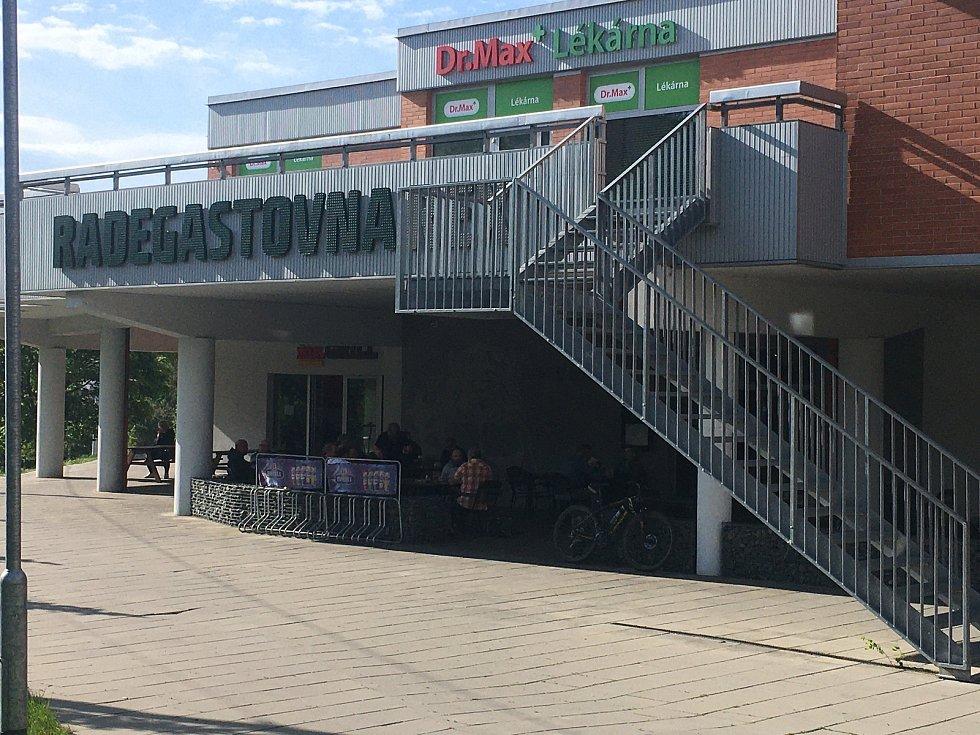 Restaurace Radegastovna Rex na sídlišti Jižní svahy ve Zlíně.