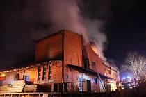 Ve Vizovicích došlo k rozsáhlému požáru několika místností obytného podkroví a značné části střechy i konstrukcí bývalých stolařských závodů.