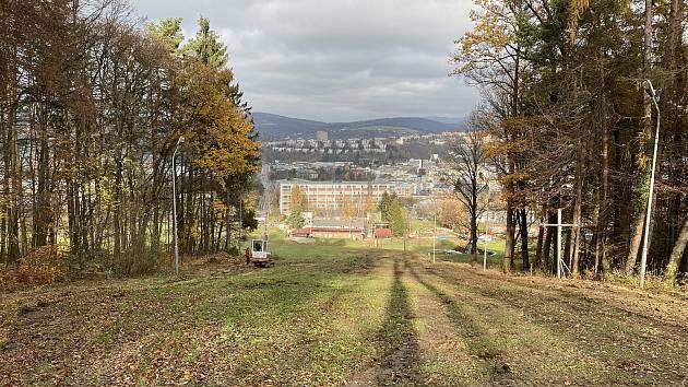 Na lyžařském svahu ve Zlíně začaly opravy.