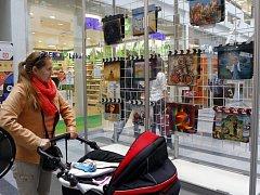 Výstava MINISALON – Filmové klapky Zlín 2014 v obchodním centru Zlaté jablko ve Zlíně.