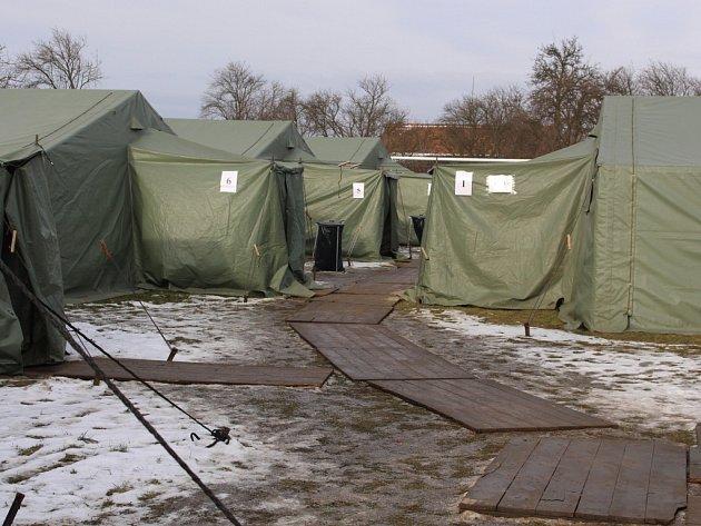 Na Nový rok vojákům místní přinesli i frgále