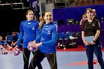 České házenkářky v pátek absolvovaly první trénink v Brest aréně. Na snímku kanonýrka Iveta Luzumová.