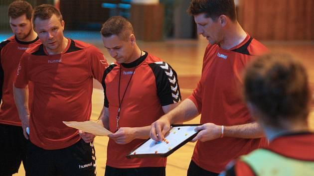 Česká reprezentace házenkářů se v neděli 30. dubna 2017 sešla ve Zlíně před nadcházejícím dvojutkáním s Ukrajinou v rámci kvalifikace o postup na ME 2018 v Chorvatsku.