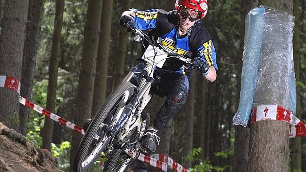 Biker Michal Červenka.