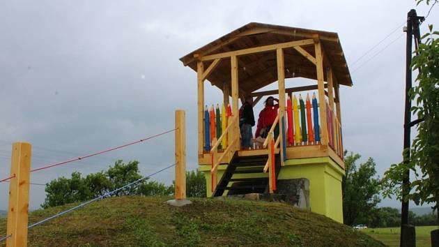 V Kelníkách mají od soboty 16. července 2016 novou dětskou rozhlednu. Stojí na bývalé vodárně. Slavnostní otevření se konalo na rozhledně, poté v kulturním sále.