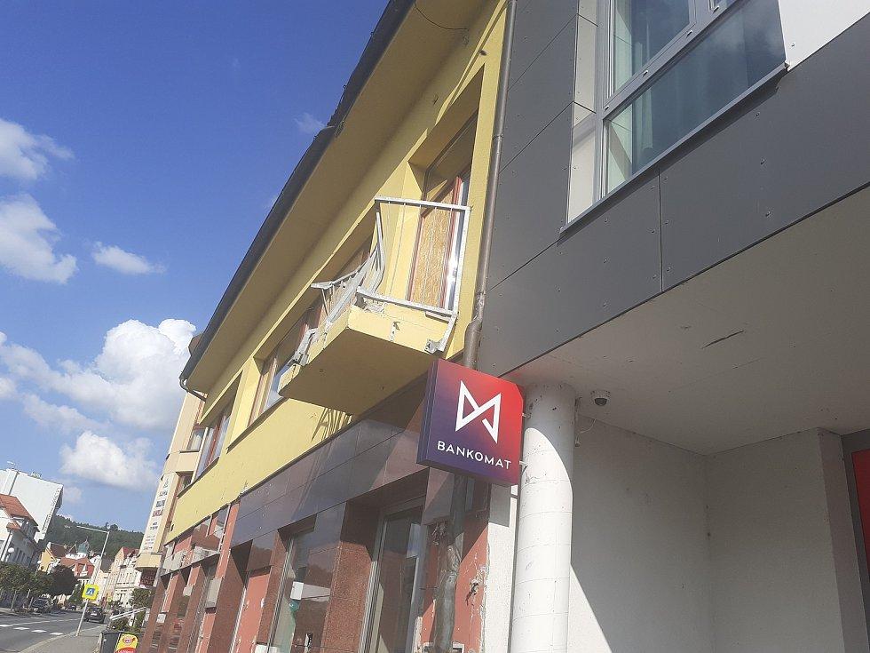 Přírodní živel nechal stopu na i na některých budovách v Luhačovicích.