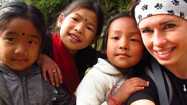 Ředitelka hudební školy Yamaha ve Zlíně Klára Šidlová na své dobrodružné cestě do Nepálu.