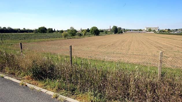Pozemek pro stavbu nové krajské nemocnice v Malenovicích.