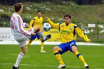 Fotbal Zlín (ve žlutém) - Třinec
