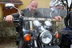 V sobotu 7. dubna 2018 se na náměstí v Otrokovicích konalo zahájení motorkářské sezony vyjížďkou MOTOBESIP - Restart. Na snímku je motorkář Jan Mahovský z Želechovic nad Dřevnicí.