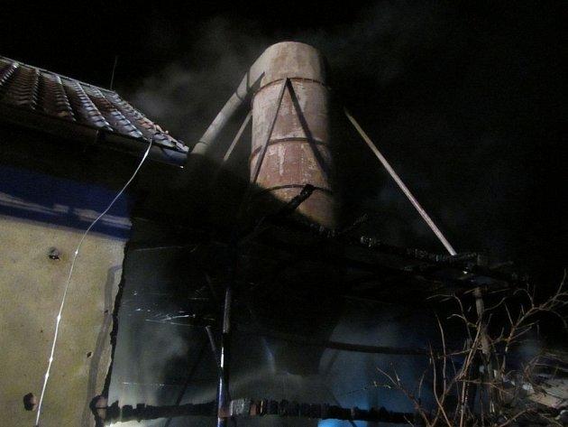 V Tlumačově na Zlínsku hořela stolárna