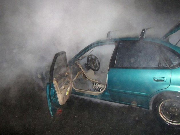 Požár auta v ulici U Trojáku ve Zlíně