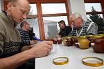 Košt medu a slivovice ve Štítné nad Vláří