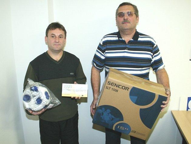 Vítězové Tip ligy František Stolařík (vpravo) a Dalibor Fojtů