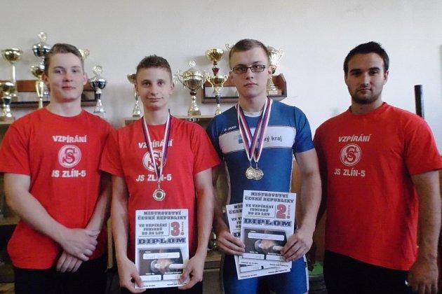 Na snímku představujeme úspěšný kolektiv. Zleva Pavel Jančík, Lukáš Hofbauer, Dominik Šesták a Lukáš Bohun.