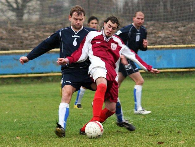 Fotbalový zápas Louky (červení) - Hulín.