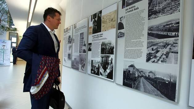 Výstava Stavby století republiky ve Zlíně v univerzitním centru ve Zlíně.  ... c612d2e2bbd