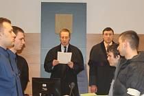 Za vraždu ve Slopném padly v lednu výjimečné tresty. Nyní soud případ znovu projednává. Ilustrační foto