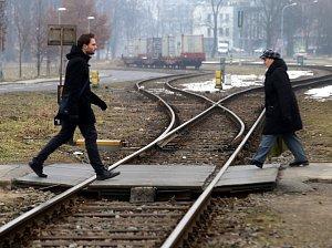 Přechod přes koleje nedaleko nádraží ve Zlíně