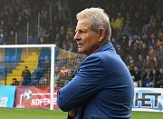 Fotbalisté Zlína (ve žlutých dresech) proti Baníku Ostrava