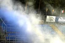 Výtržnosti fanoušků při zápase mezi fotbalovým klubem Fastav a 1. FC Slovácko