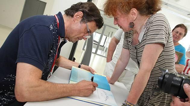 55. mezinárodní festival filmů pro děti a mládež - Autogramiáda ilustrátora Petra Síse