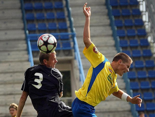 Zlínská fotbalová juniorka (Tescoma B – ve žlutém) hostila v neděli 29. srpna v rámci Moravskoslezské fotbalové ligy hráče z HFK Olomouc.