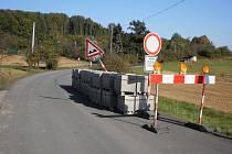 Cesta do Rackové se kvůli opravě zavřela pro veškerý provoz loni v říjnu.