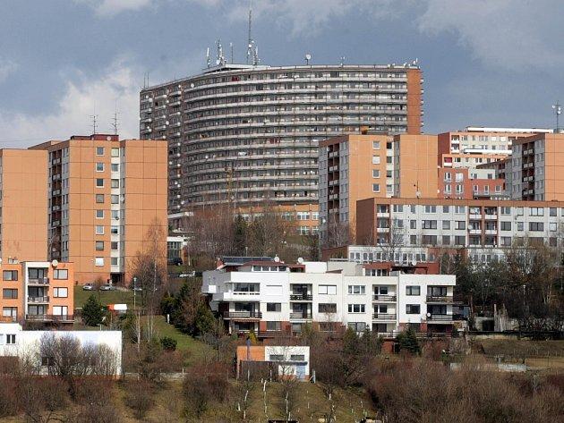 Obyvatelé segmentu se dočkají výměny oken a oprav balkonů.