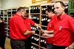 Na devátém koštu v Jalubí si přišlo na své pět stovek vínomilců, kteří si mohli vybrat ze 750 vzorků bílých, červených a růžových vín.