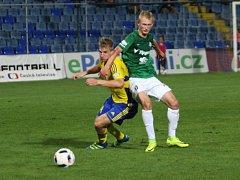 Lídr I. fotbalové ligy Fastav Zlín (ve žlutém) v 9. kole hostil na Letné Jablonec.