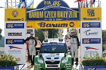 Vítězem 39. ročníku Barum Czech Rally Zlín stal Jan Kopecký ve voze Škoda Fabia S2000. Pilot továrního týmu Škoda Motorsport porazil Brita Krise Meekeho Peugeot 207 S2000. Bronz bere Kopeckého týmový kolega Fin Juho Hänninen.