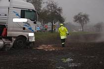 Řidič kamionu před nehodou u Vítonic najel na krajnici