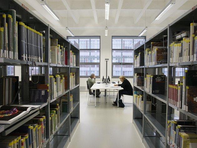 Knihovna Františka Bartoše v 14–15 Baťově institutu ve Zlíně.