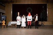 Hra o svaté Dorotě je každoročně součástí vánočního půlnočního programu.