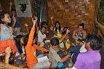 Knihovna pro děti vybudovaná Kukang programem v terénní oblasti.