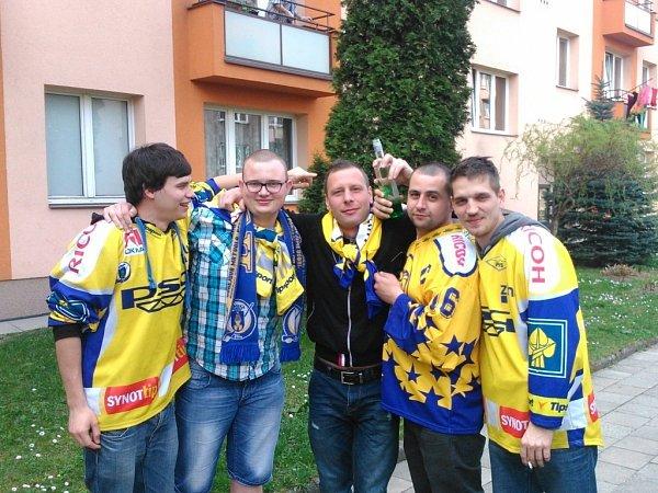 Fanoušci PSG Zlín vTřinci.