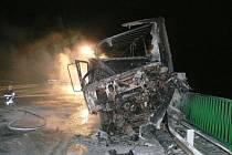 U Břestu se srazila kamion s dodávkou, jeden řidič zemřel